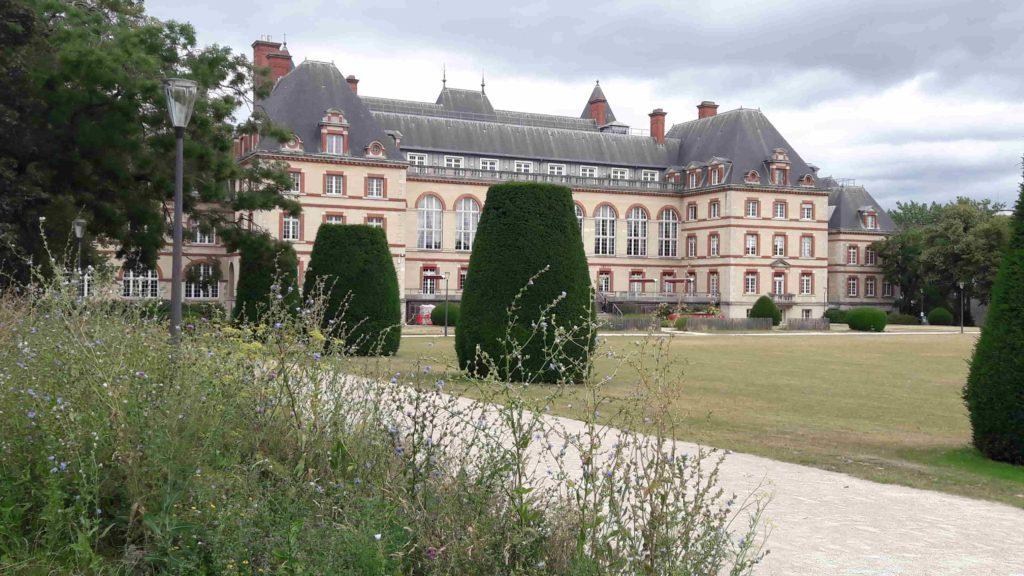 Cité internationale universitaire de Paris, bâtiment principal